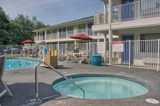 Motel 6 Seattle South: Pool