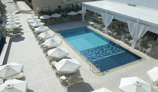Senator Hotel Apartments: New Main Swimming Pool