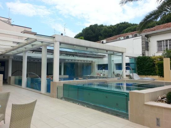 Piscina coperta e riscaldata foto di lunariccione hotel - Hotel con piscina coperta e riscaldata ...