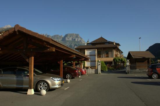 Auberge de l'Orangerie : Parking