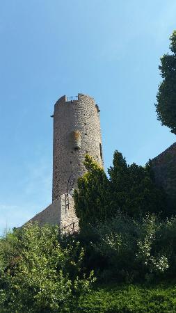 La tour de Chambles