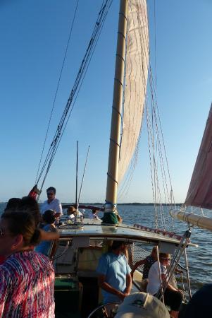 Wanchese Inn B&B : Sailboat sunset cruise on Roanoke Sound