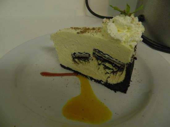 Cortes Island, Kanada: White chocolate & oreo cheesecake