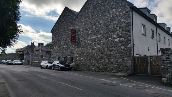 Kilmallock, Irlanda: Historic building, sympathetically converted