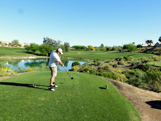Coyote Lakes Golf Club: Nice Par 4