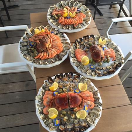 Restaurant l 39 ecailler du port dans carqueiranne avec cuisine fruits de mer poisson - Restaurant carqueiranne port ...