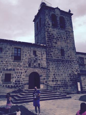 Duruelo de la Sierra, Spain: Fachada principal de la iglesia