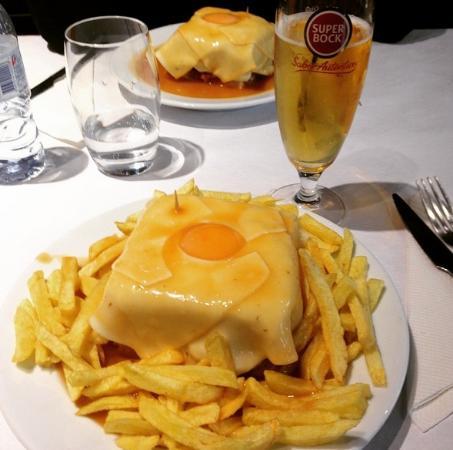 Cafe Santiago F: Francesinha
