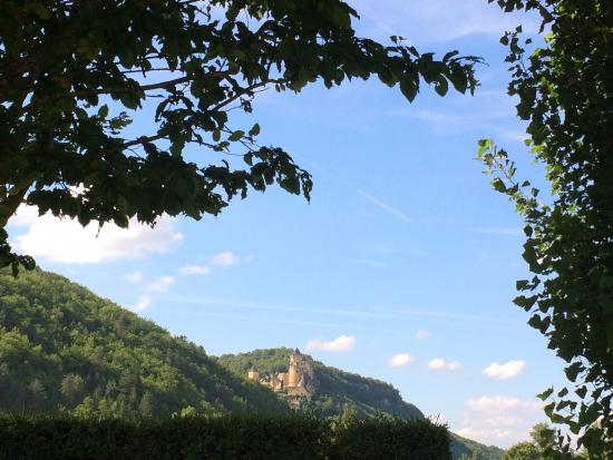 Camping Maisonneuve : view to castelnaud la chapelle