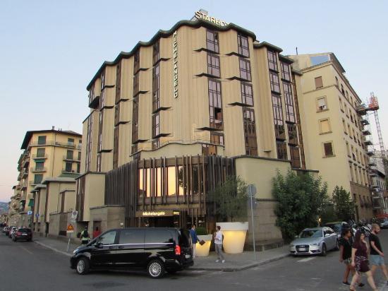 Zimmer 2 bild von starhotels michelangelo florenz for Moderne hotels nrw