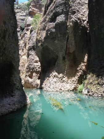 La Casa Del Rey Moro: The lake at the bottom