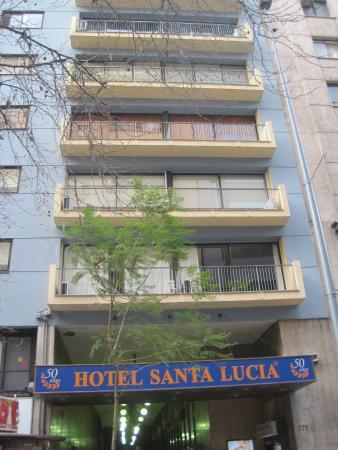 Hotel Santa Lucía: Entrance from Paseo Huerfanos