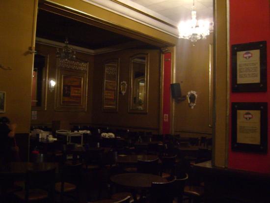 Bar Brahma: Salão