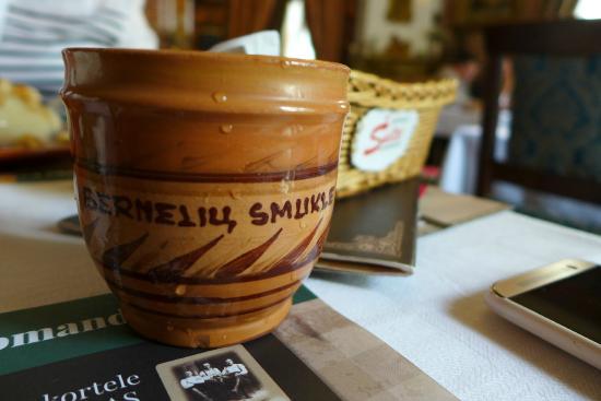 Berneliu Smukle: напиток из яблок и тмина