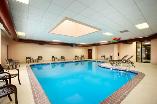 Indoor Swimming Pool - Picture of Capitol Plaza Hotel Park Place ...