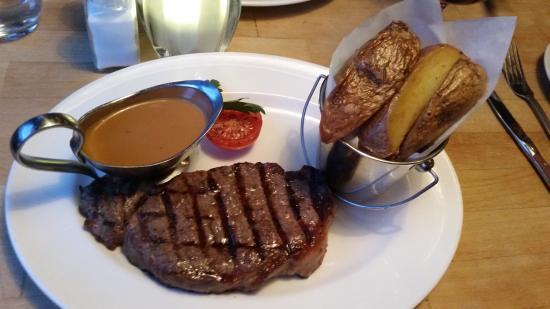 Medium rare sirloin steak chips and pepper sauce - Steak d espadon grille sauce combava ...