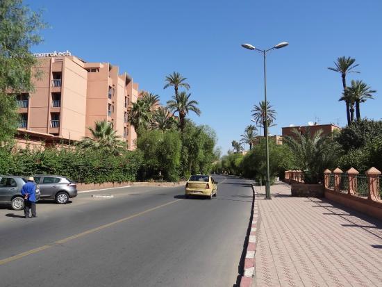 Hotel Le Grand Imilchil : la rue devant l'hotel