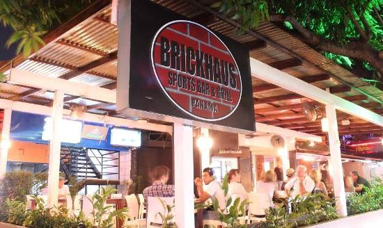 Brickhaus sports bar & grill