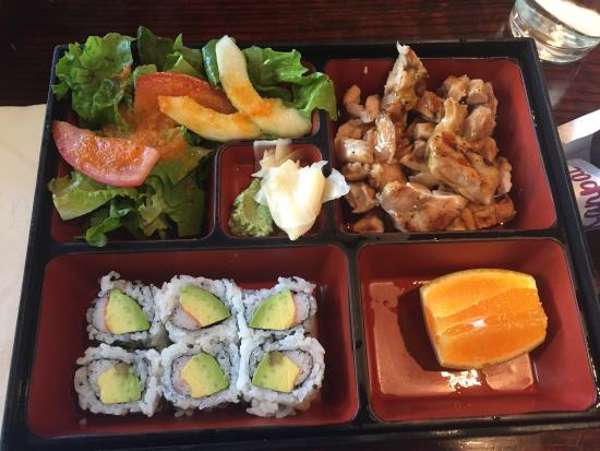 Kanpai Sushi: Combination lunch