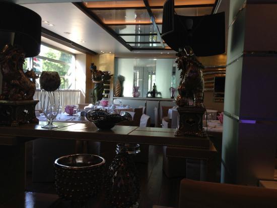 The Athenian Callirhoe Exclusive Hotel: Vue salle de petit déjeuner