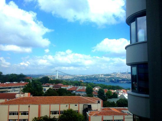Conrad Istanbul Bosphorus: Odamizdan manzara