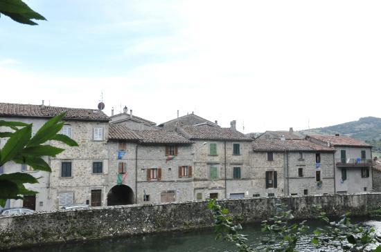 Santa Fiora, Italie : vista dalla Peschiera
