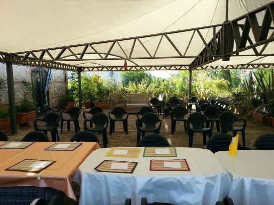 MG Florplant Srl: Petit déjeuner en terrasse et éventuellement lieu pour colloque