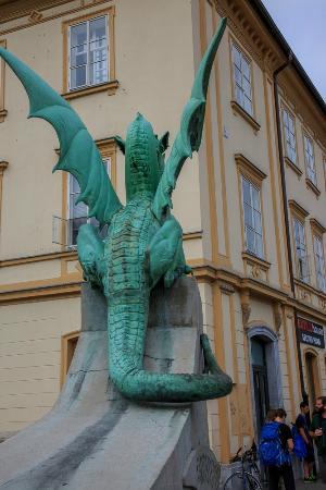 Dragebroa: Oh, good dragon!