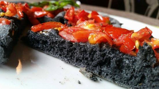 la danda novita pizza nera