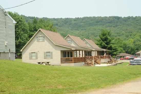 Latham, OH: Cabin Rentals