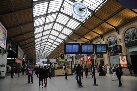 PARIS. Gare Saint-Lazare. Cour du Havre. - Picture of Gare ...