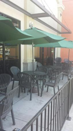 Ceres, CA: Outdoor patio