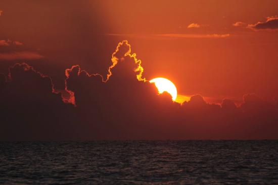 Sand Cay Beach Resort: Sand Cay Sunset