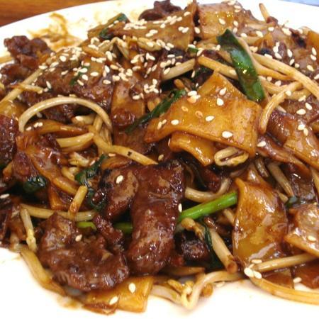 Jade Garden : delicious stir fried beef ho fun