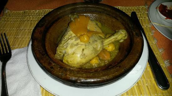 tajine poulet citron olives picture of restaurant. Black Bedroom Furniture Sets. Home Design Ideas
