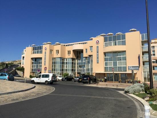 Vue Globale Extérieure Hôtel PORT MARINE à Sète Picture Of Hotel - Hotel port marine sete