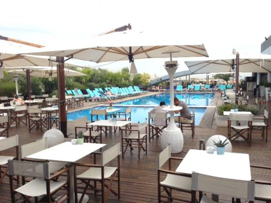 Piscine roof terrasse picture of radisson blu es hotel for Rome hotel piscine