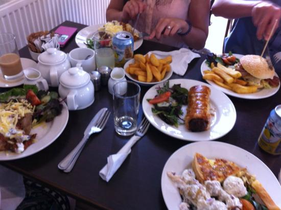 Great Bardfield, UK: That's the lunch we ordered at The Blue Egg!
