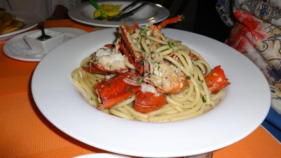 Bucatini lobster cognac picture of fish restaurant for Fish restaurant naples