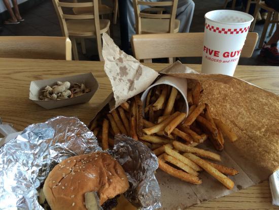 Five Guys Burger and Fries: photo1.jpg