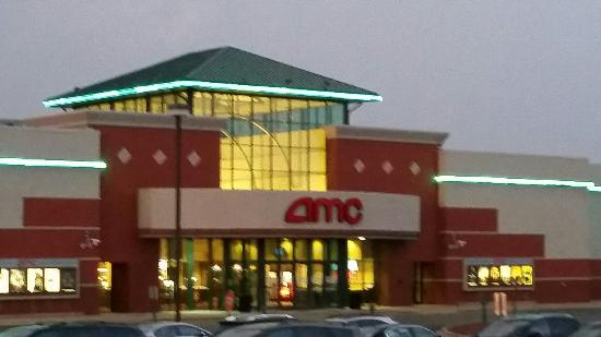 AMC Lake In The Hills 12