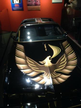 Country Music Hall of Fame and Museum: Bandit Hood
