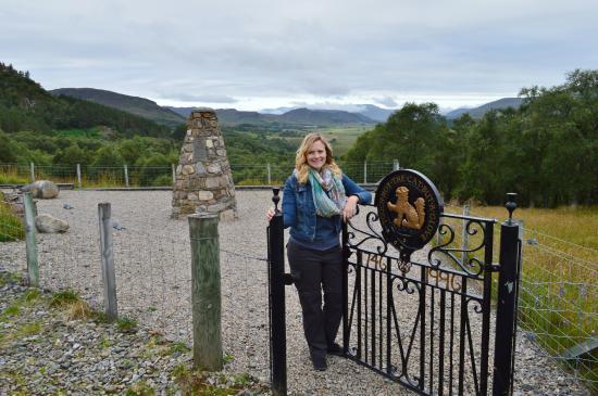 Clan Macpherson Museum: MacPherson Memorial Cairn