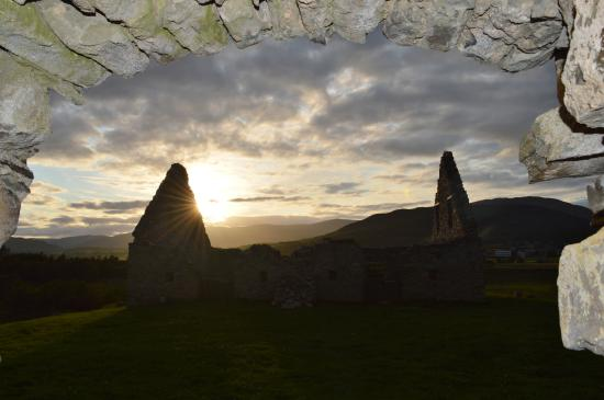 Ruthven Barracks: Sunset over the stables