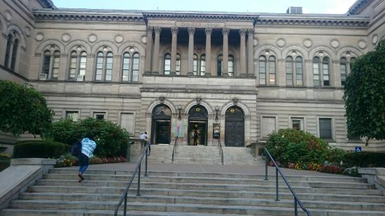 ‪Carnegie Library of Pittsburgh - Main‬