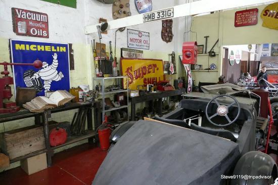 York Motor Museum: Workshop display