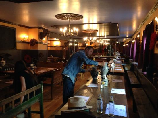 Ebbelwoi Unser : Lokal Innen