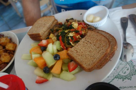 Carroll Villa Hotel: Vegan Tofu Scrambler at the Mad Batter