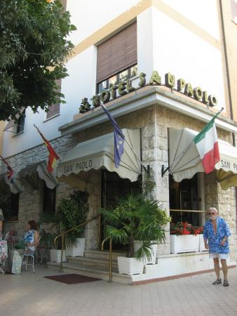 San Paolo: The hotel's front dor