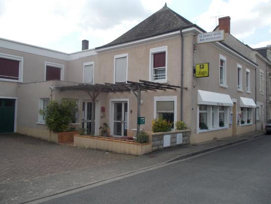 Dange-Saint-Romain, Francia: hotel restaurant le damius 16 rue de la gare dangé st romain 86220